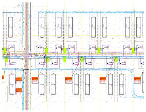 תשריט של מספר מבנים, חממות, תעלות ודרך ראשית