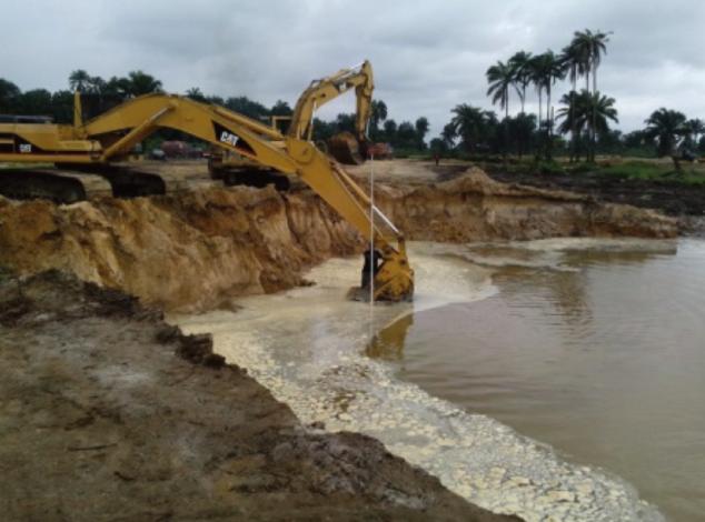 Sedimentation basins excavation dealing with ground water